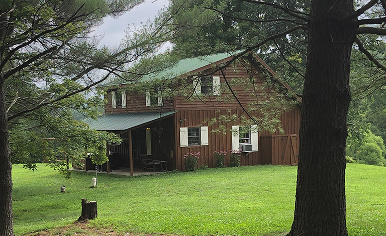 Christmas Cabin Rentals.The Christmas Cabin A Romantic Hocking Hills Cabin